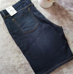 G.H. Bass denim bermuda shorts. Size 16